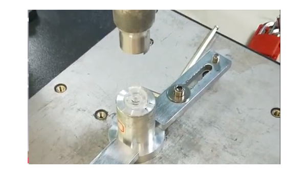 灵科小型注塑件焊接