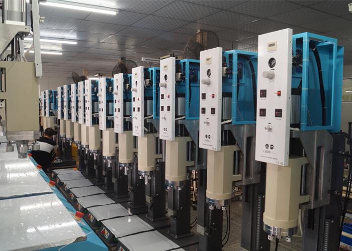 灵科超声波塑焊机装配
