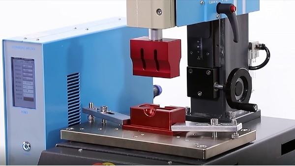 灵科超声波带大家了解为什么超声波模具上会开槽?