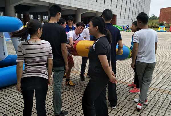 灵科企业参加园区运动会