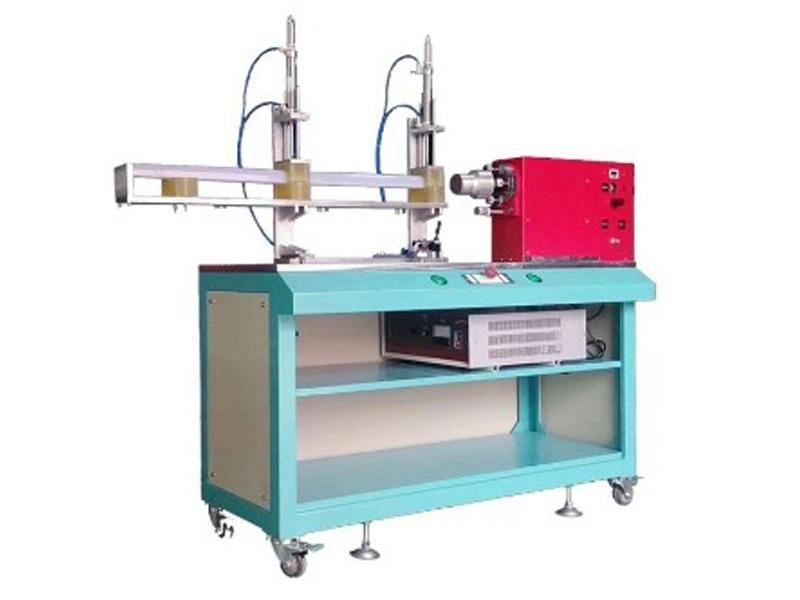 卧式焊接机大图