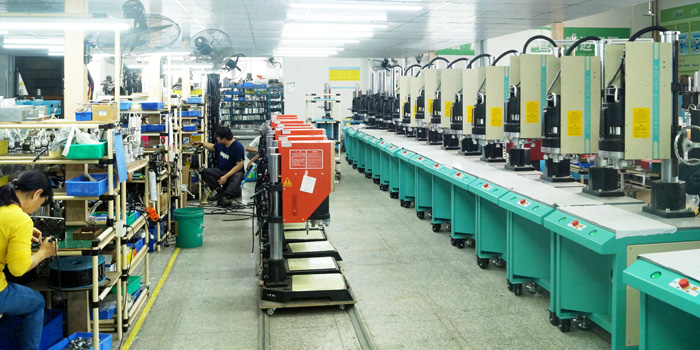 珠海灵科-生产流水线.jpg